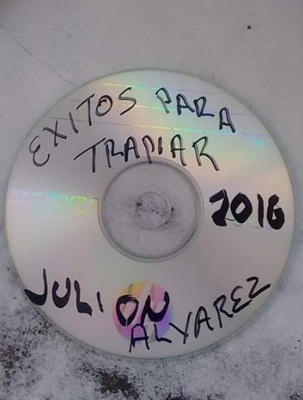 memes de julion - disco con frase chistosa