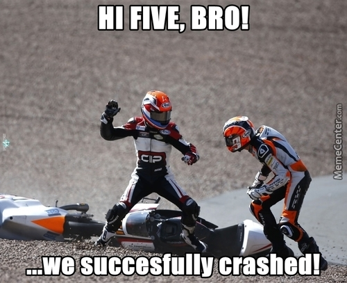 memes de motos - hi five
