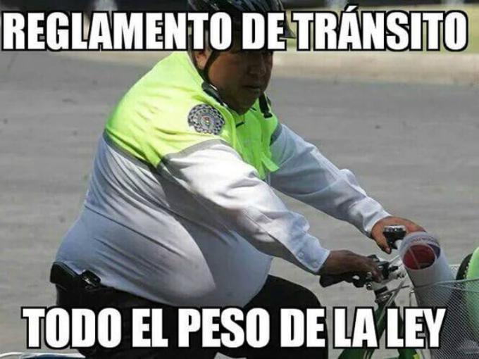 memes de policias - gordito