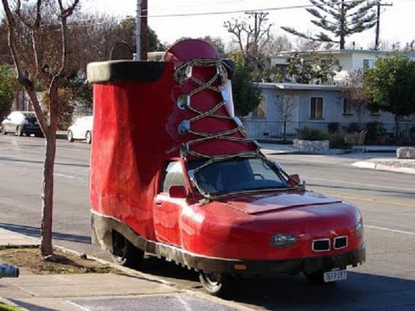 imagenes-graciosas-de-autos-bota-carro