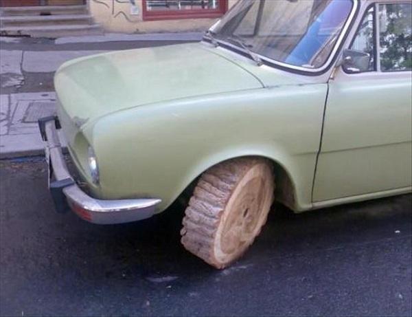imagenes-graciosas-de-autos-goma-de-madera