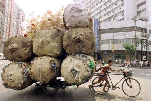 imagenes-chistosas-de-bicicletas-cantidad-enorme-de-pomos-en-una-bici
