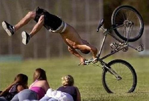 imagenes-chistosas-de-bicicletas-en-caida